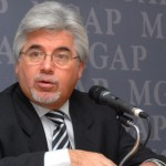Aguerre será citado nuevamente al Parlamento por crisis del sector lechero